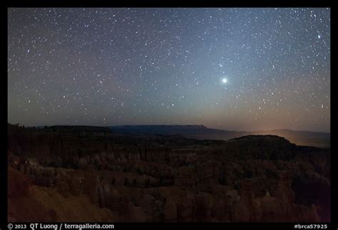 Picture/Photo: Bryce Amphitheater under starry sky at