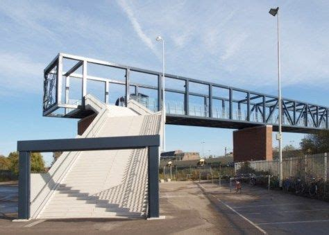 NETHERLANDS PASSERELLE STATION ROOSENDAAL BY WEST 8