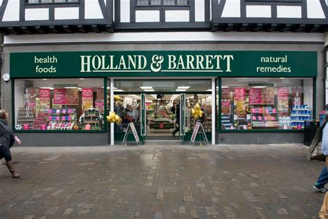 Holland & Barrett rolling out click and collect service