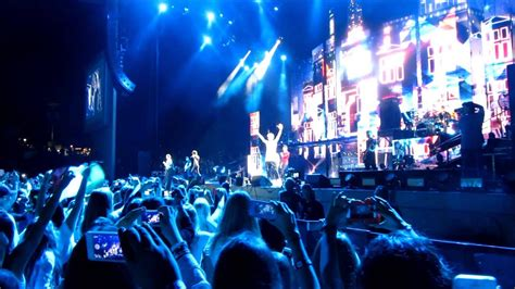 One Direction San Diego Concert Opening Aug 4, 2013 - YouTube